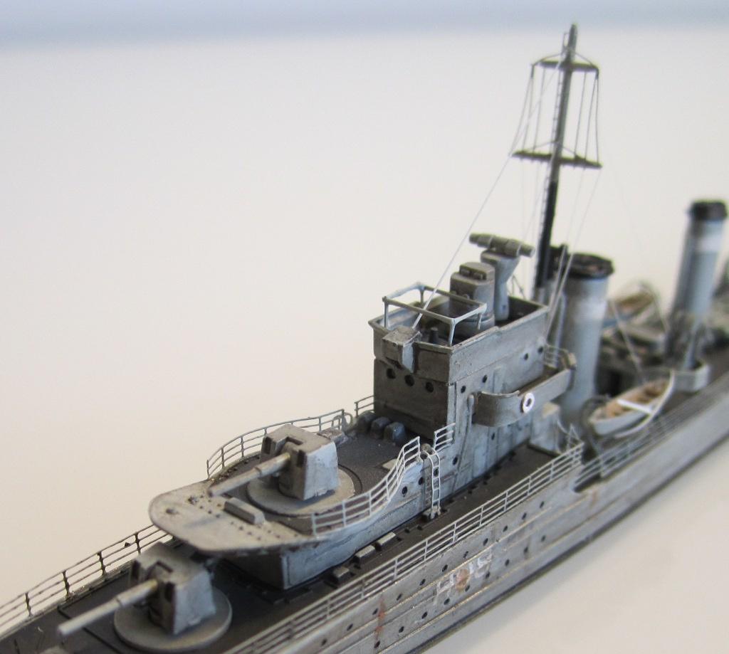 HMS Eclipse 1/700 Tamiya par Nesquik TypeE11