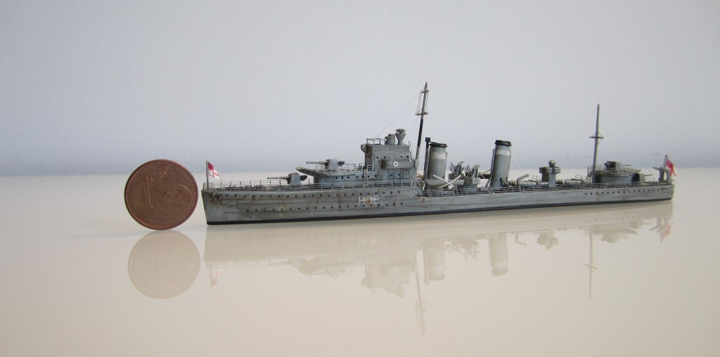 HMS Eclipse 1/700 Tamiya par Nesquik TypeE3
