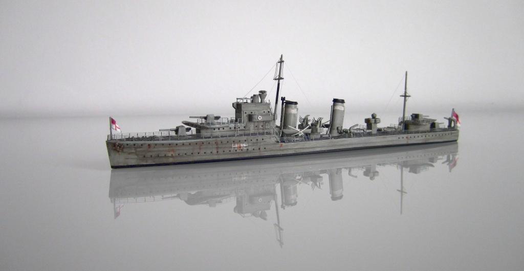 HMS Eclipse 1/700 Tamiya par Nesquik TypeE6